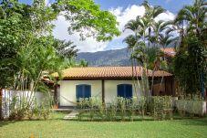 Casa em São Sebastião - Casa com Wifi, Varanda Gourmet e Perto da Praia