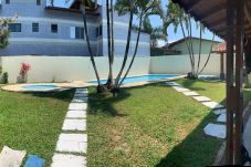 Casa em Peruíbe - Casa com piscinas a 15 min da praia em Peruíbe