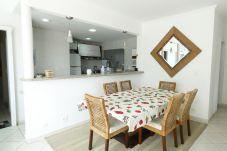 Apartamento em Guarujá - Guarujá: Cobertura duplex c/ churrasqueira e wi-fi