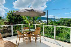 Casa em Ubatuba - Casa com Wi-Fi e Terraço com Linda Vista p/ o Mar