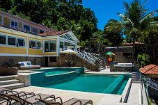 Casa em Angra dos Reis - Casa de luxo com praia privativa e lazer completo